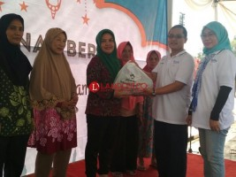 1.000 Warga Dua Desa dapat Paket Sembako Murah dari Perumnas