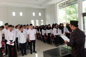 100 Pengawas TPS di Palas dilantik