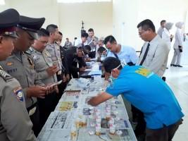 113 Personel Polres Way Kanan Jalani Tes Urine Dadakan