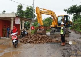 140,3 Km Jalan di Lamsel Rusak ParahImbas Proyek JTTS