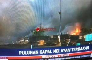 Puluhan Kapal Terbakar di Pelabuhan Benoa