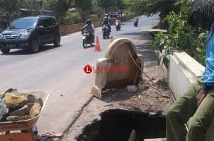Jembatan Ambrol Jalur Dua di Kelurahan Kelapatujuh Diperbaiki Permanen