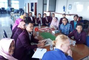 Mahasiswa Program Doktoral MPI UIN Raden Intan Kunjungi Lampung Post