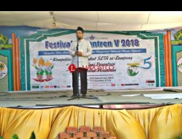 Penutupan Festival Pesantren UIN Raden Intan Lampung Diisi oleh Pengarang Buku Ayat-Ayat Cinta