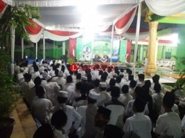 Santri dan Umat Islam di Sukajadi Sambut KH. Ma'ruf Amin