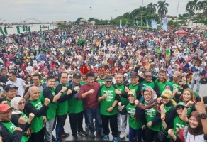 Jalan Sehat Diikuti 20 Ribu Peserta Meriahkan Puncak HUT Ke-72 HMI di Palembang