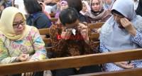 Vonis 8 Tahun Terhadap Khamami Disambut Tangisan Keluarga