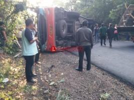 Bus Tabrak Truk Tangki Renggut Empat Nyawa