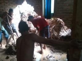 2 Rumah Warga Rusak Berat Diterjang Material Longsor