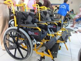 20 Penyandang Disabilitas di Lambar Dapat Bantuan Kursi Roda