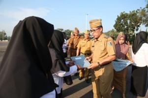 32 Tenaga PTT Kesehatan di Lamtim Terima SK Pengangkatan CPNS
