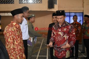 350 PTT Pemkab Lambar Terima SK