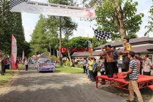 38 Mobil Hias Meriahkan Parade HUT Lambar