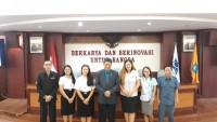 4Mahasiswa Asing Mengajar di Lampung