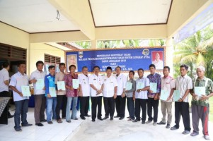 513 Sertifikat PTSL di Pesisir Barat Diserahkan