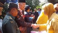 65 Makam Pejuang Kemerdekaan di Lampura Dipasangi Bambu Runcing