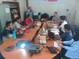 AJI-Institut Jurnalisme LampungBeri Pelatihan Menulis Puskamsikham Unila
