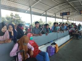 Akhir Pekan Arus Penyeberangan di Pelabuhan Bakaubeni Masih Ramai