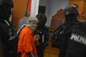 Aman Abdurrahman Sebut Pelaku Teror di Surabaya Sakit Jiwa