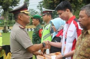 Anggota Pos Pelayanan Tugu Liwa Dapat Penghargaan dari Kapolres Lambar