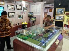 Anjungan Way Kanan Pamerkan Miniatur Bandara Gatot Subroto