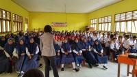 Antisipasi Narkoba, Polwan Polres Tulangbawang Datangi Sekolah