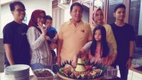 Arinal Dapat Kejutan dari Putri Bungsu di Hari Ulang Tahunnya