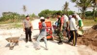 Awasi DD, Bhabinkamtibmas-Babinsa Kawal Proses Pembangunan di Desa