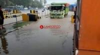 Bakauheni Kebanjiran Usai Diguyur Hujan Sejam