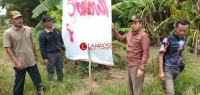 Baliho Paslon Presiden 01 Dicoret Orang Tak Dikenal di Rawajitu