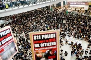 Bandara Internasional Hong Kong Lumpuh