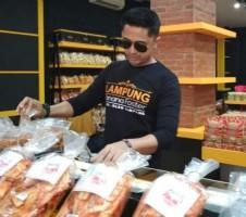 Bangun Pusat Oleh-oleh, Banana Foster Rangkul UKM Lampung