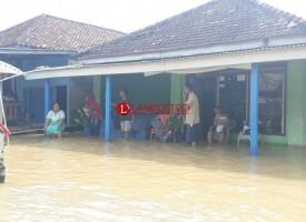 Banjir Menggala Kota Meluas, Warga Mulai Diungsikan