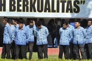 Belasan Ribu PNS Absen Kerja Hari Pertama