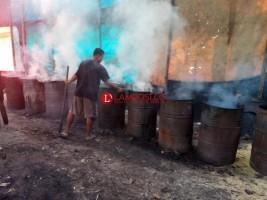 Belum Kantongi Izin, Usaha Pembuatan Arang Dihentikan Sementara