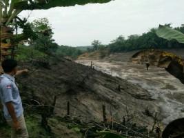 Bendungan Limbah PT. BSSW Way KananCemari Sungai dan Kebun Milik Warga