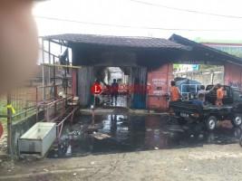 Bengkel Motor di Kotaalam Ludes Terbakar