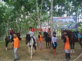 Berkuda Sambil Wisata Keluarga Riverside Ranch Natar