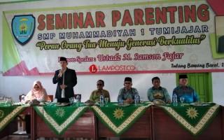 Bersinergi dengan Wali Murid, SMP Muhammadiyah 1 Tumijajar Gelar Seminar Parenting