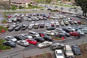 Biasa Parkir Mobil Diluar, Begini Cara Merawatnya