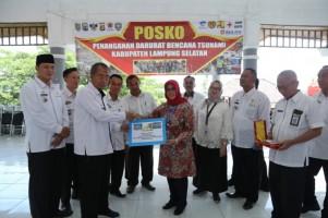 BKKBN Salurkan Bantuan untuk Korban Tsunami Lampung Selatan