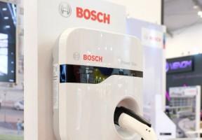 Bosch Kenalkan Alat Pengisi Baterai Mobil Listrik