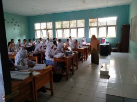 BOSDA SMA Negeri di Lampung Disalurkan Akhir Oktober