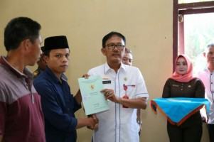 BPN Lampung Barat Bagikan 695 Sertifikat TanahProgram PTSL