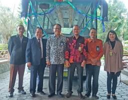 Bukopin Sumbangkan Bus Operasional ke Unila