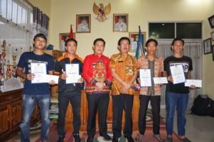 Bupati Agus Istiqlal Apresiasi Pemanang Lomba Foto Diskominfo
