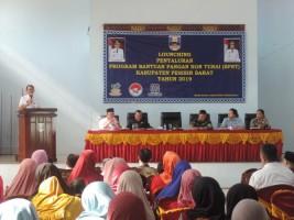 Bupati Agus Istiqlal Salurkan BPNT 2019