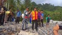 Bupati Agus Istiqlal Tinjau Pemasangan Kabel Jaringan Listrik Bawah Laut Pulau Pisang