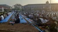 Bupati Lampura Sampaikan Laporan Haji Disela Salat Iduladha