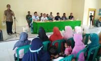 Bupati Mesuji Khamami Bagikan Rastrada Di Kecamatan Tanjung Raya
